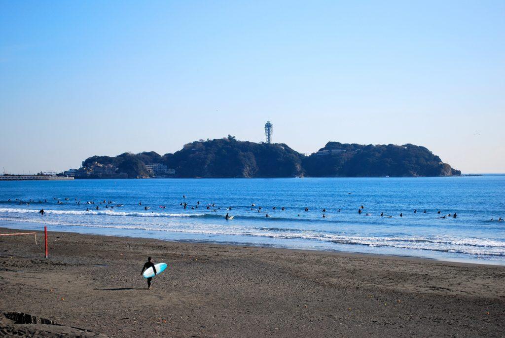 鵠沼海岸と江ノ島